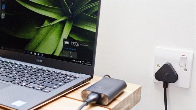 Cách khắc phục laptop báo pin đầy nhưng rút sạc thì tự tắt - 1