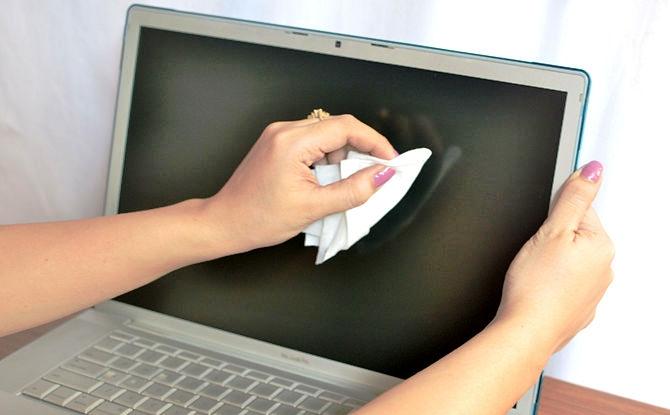Cách xử lý màn hình máy tính bị xước đơn giản mà hiệu quả tại nhà - 1